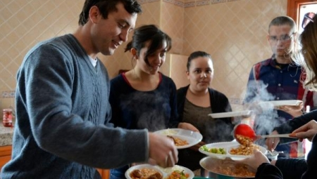 Flagship students share a meal in Morocco